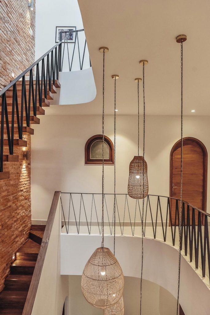 Cầu thang nhà phố và xu hướng không gian mở trong thiết kế nhà ở. 5