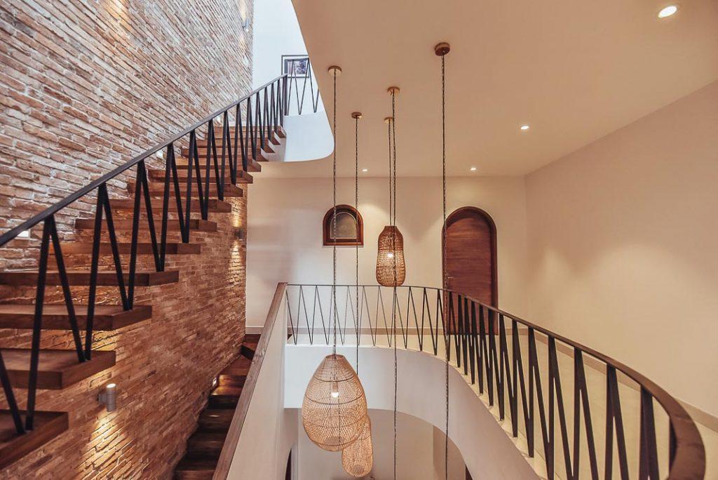 Cầu thang nhà phố và xu hướng không gian mở trong thiết kế nhà ở. 6