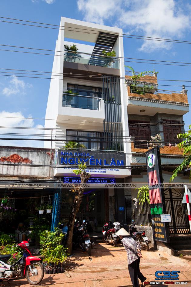 Nhà phố Bình Phước 4,5m x 18m sang trọng, đẹp mắt khi kết hợp phòng khám nha khoa 2