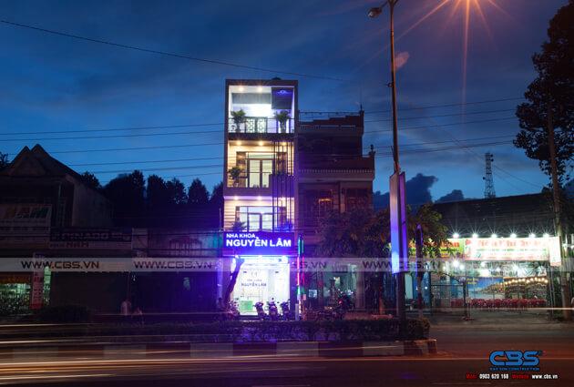 Nhà phố Bình Phước 4,5m x 18m sang trọng, đẹp mắt khi kết hợp phòng khám nha khoa 4