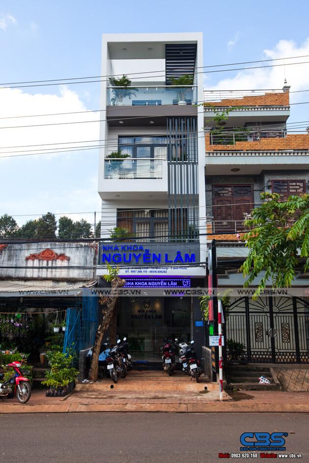 Nhà phố Bình Phước 4,5m x 18m sang trọng, đẹp mắt khi kết hợp phòng khám nha khoa 1