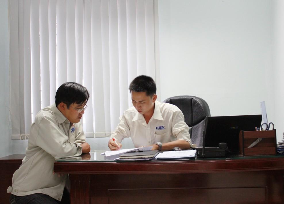 Góc làm việc tại văn phòng công ty (2012) 38