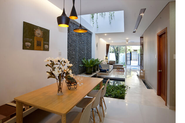 Nhà phố 2 tầng đơn giản, đẹp mắt và tràn ngập ánh sáng tự nhiên 3