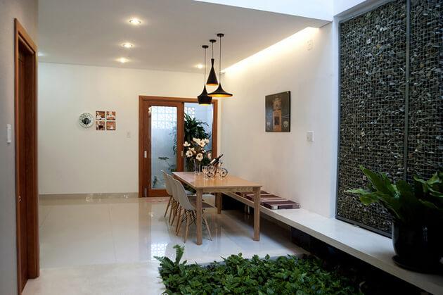 Nhà phố 2 tầng đơn giản, đẹp mắt và tràn ngập ánh sáng tự nhiên 4