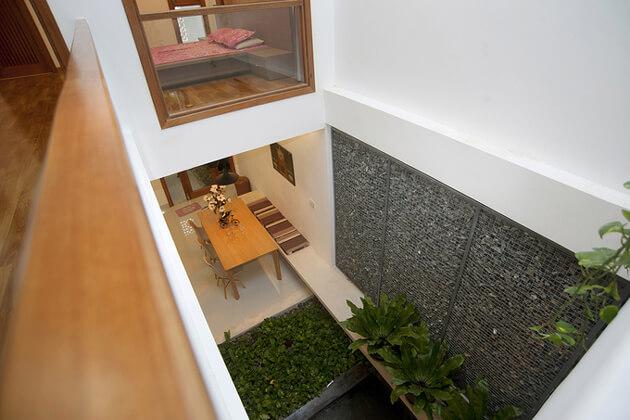 Nhà phố 2 tầng đơn giản, đẹp mắt và tràn ngập ánh sáng tự nhiên 9