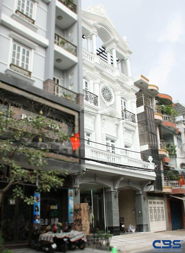 Nhà phố 8m x 18m đẹp mê ly với kiến trúc cổ Châu Âu 1