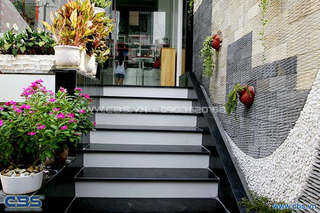 Vẻ đẹp của mảng xanh trong những ngôi nhà phố hiện đại 16