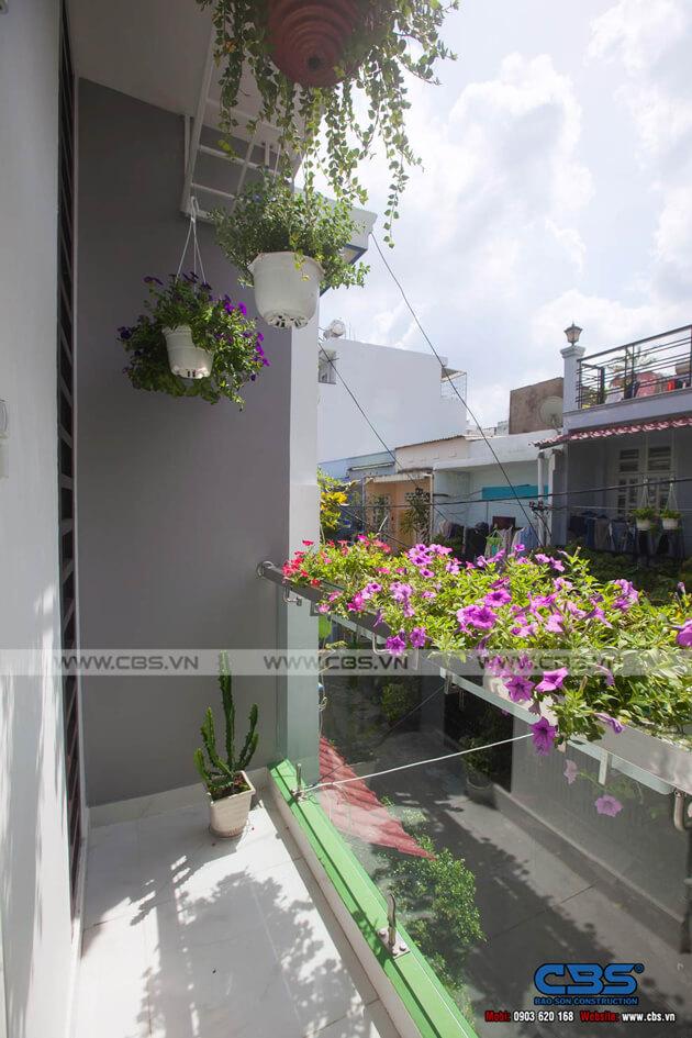 Vẻ đẹp của mảng xanh trong những ngôi nhà phố hiện đại 26