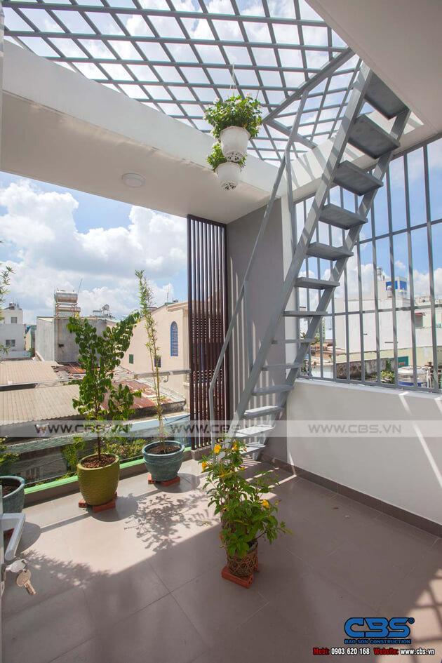 Vẻ đẹp của mảng xanh trong những ngôi nhà phố hiện đại 28