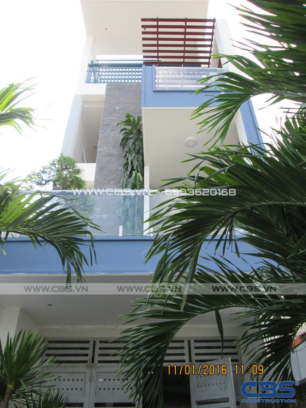 Nhà phố hiện đại đẹp mắt với diện tích 4m x 25,3m 1