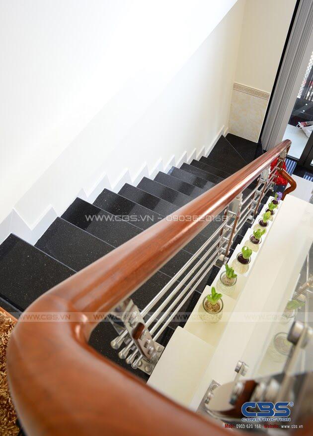 Những mẫu cầu thang đẹp phổ biến cho nhà phố 11
