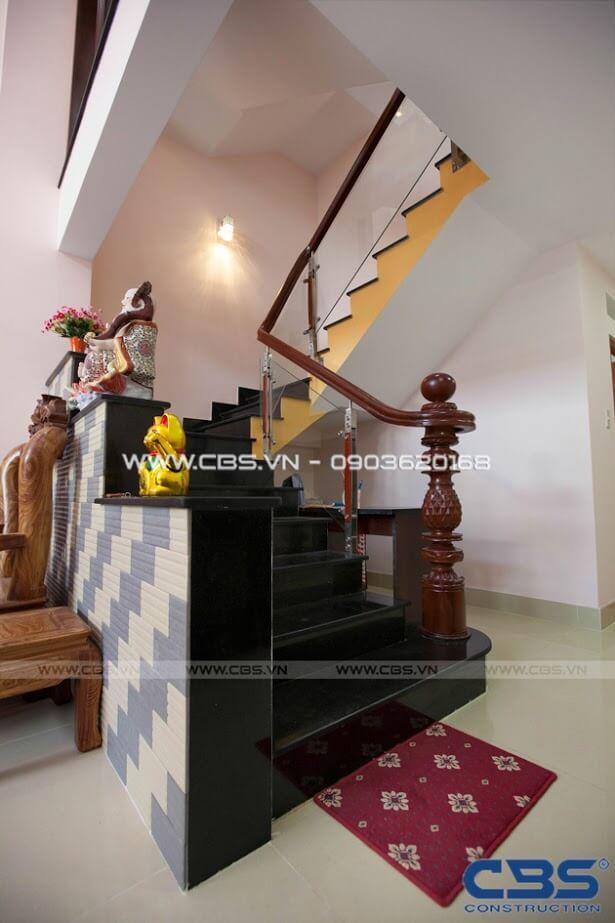 Những mẫu cầu thang đẹp phổ biến cho nhà phố 12