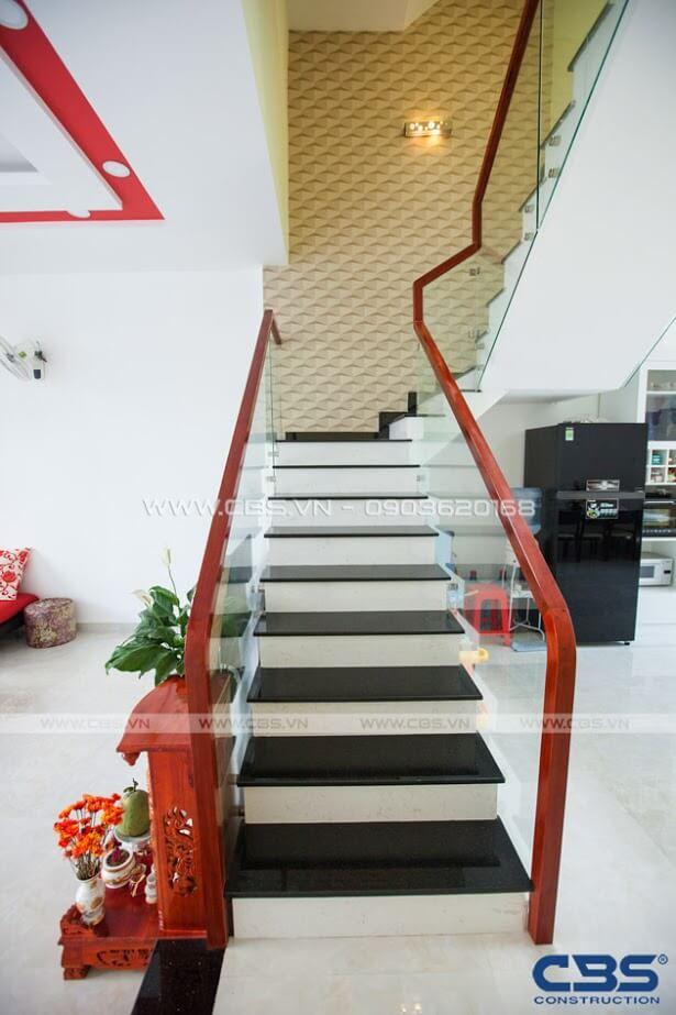 Những mẫu cầu thang đẹp phổ biến cho nhà phố 3