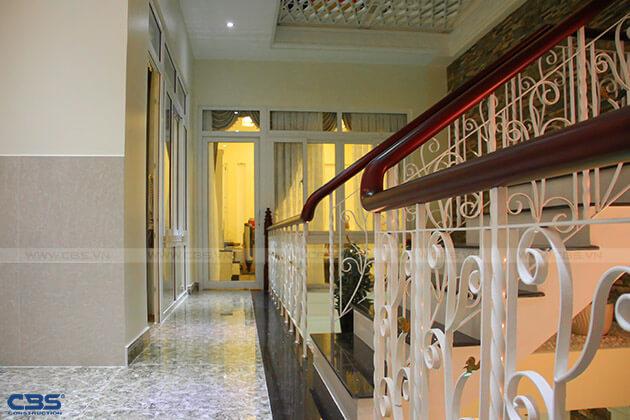 Những mẫu cầu thang đẹp phổ biến cho nhà phố 24