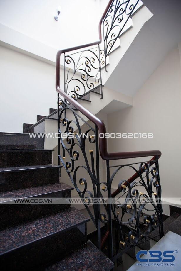 Những mẫu cầu thang đẹp phổ biến cho nhà phố 26