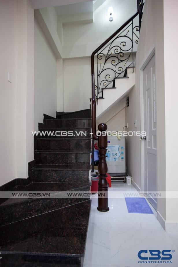 Những mẫu cầu thang đẹp phổ biến cho nhà phố 27