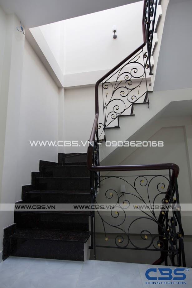 Những mẫu cầu thang đẹp phổ biến cho nhà phố 28