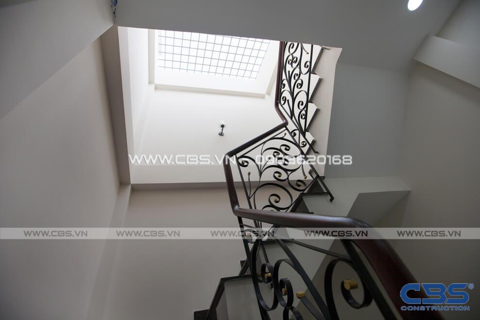 Những mẫu cầu thang đẹp phổ biến cho nhà phố 29