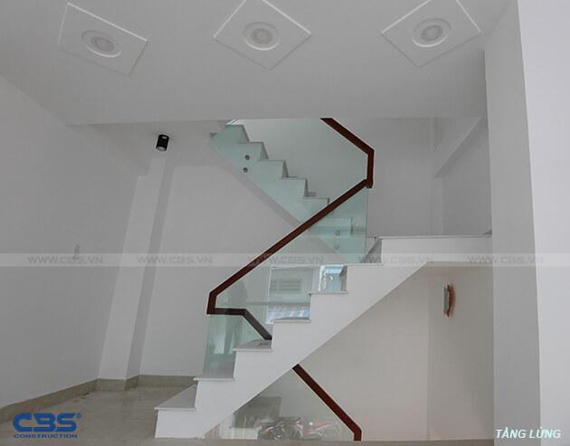Những mẫu cầu thang đẹp phổ biến cho nhà phố 30