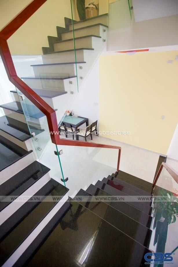 Những mẫu cầu thang đẹp phổ biến cho nhà phố 4