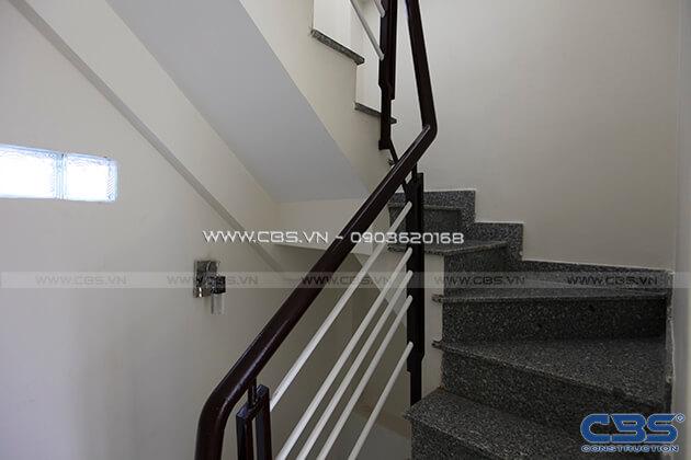 Những mẫu cầu thang đẹp phổ biến cho nhà phố 34