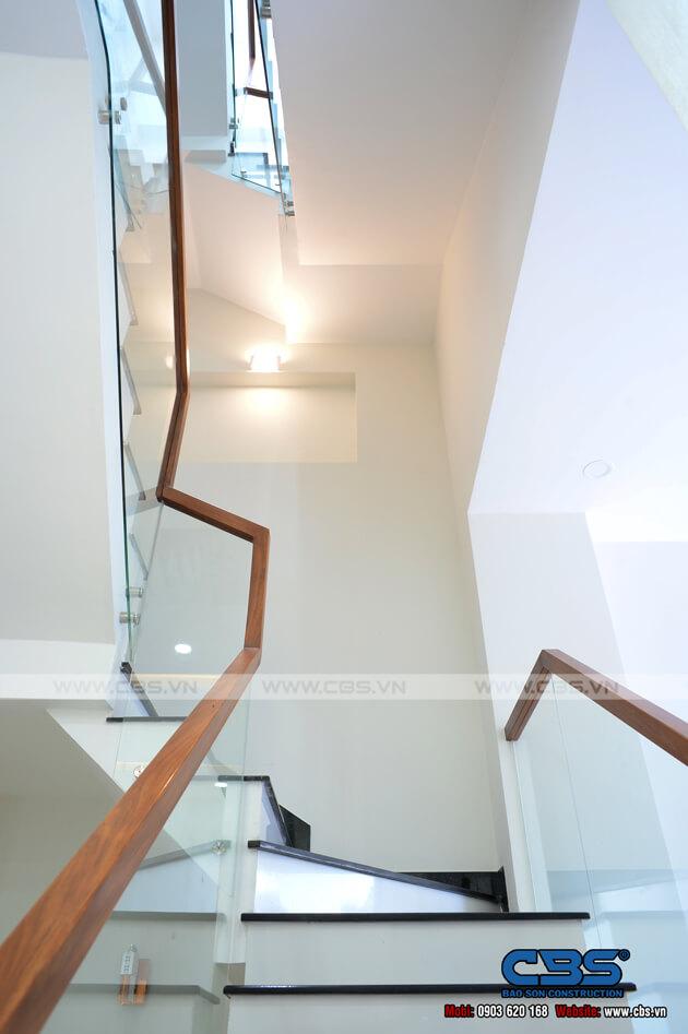 Những mẫu cầu thang đẹp phổ biến cho nhà phố 39