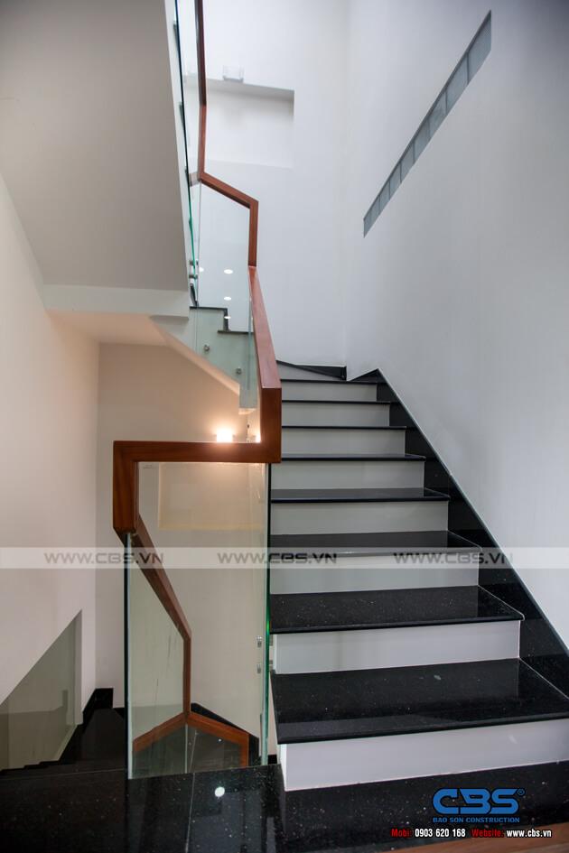 Những mẫu cầu thang đẹp phổ biến cho nhà phố 40