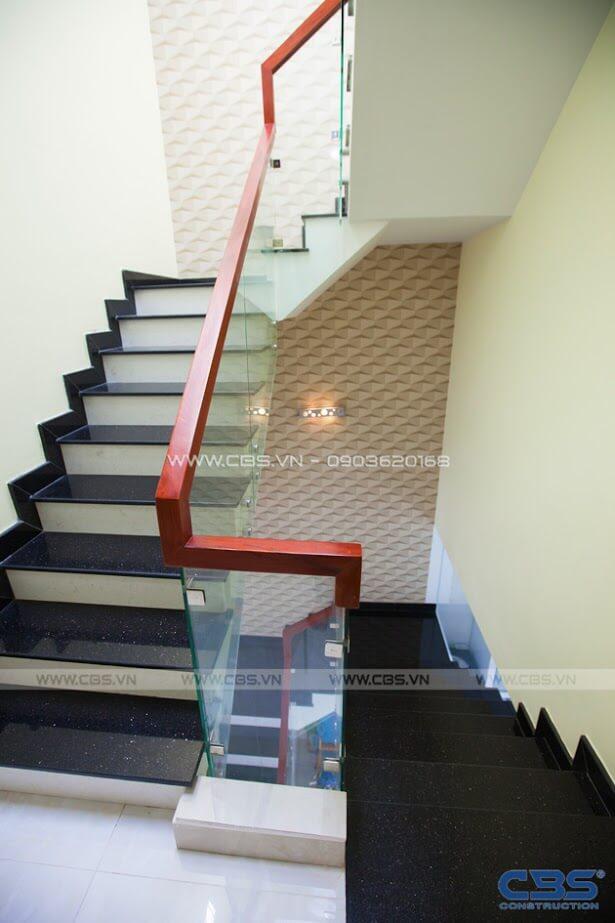 Những mẫu cầu thang đẹp phổ biến cho nhà phố 5