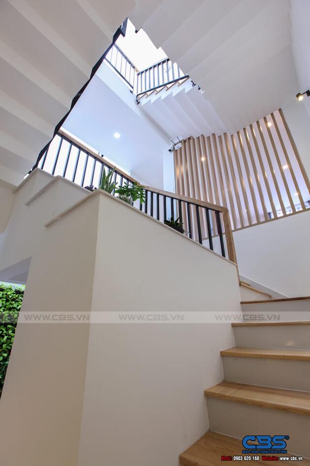 Những mẫu cầu thang đẹp phổ biến cho nhà phố 41
