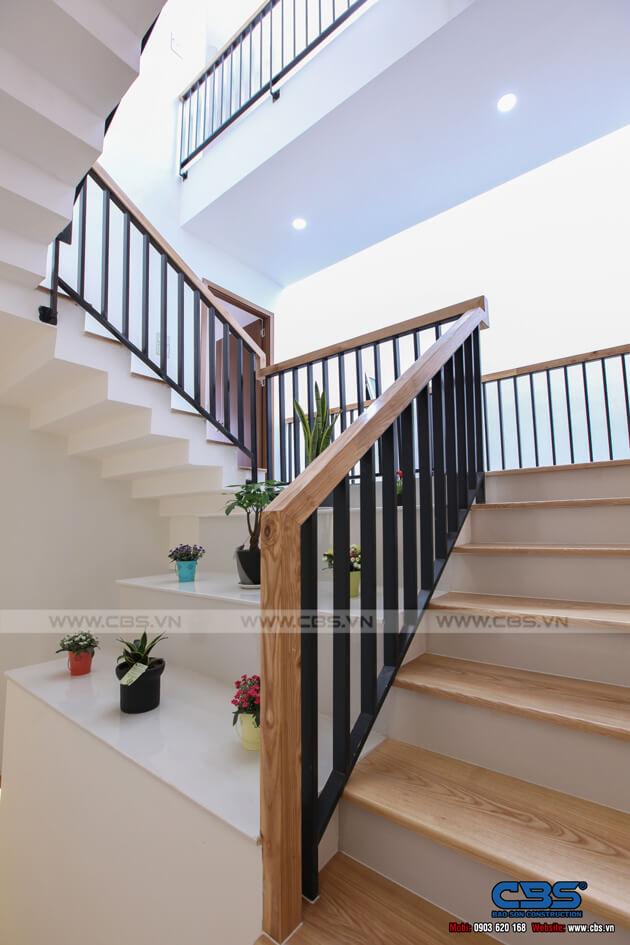 Những mẫu cầu thang đẹp phổ biến cho nhà phố 42
