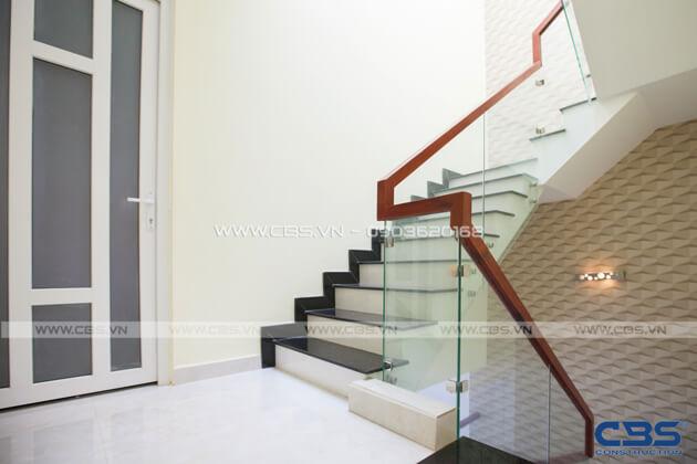 Những mẫu cầu thang đẹp phổ biến cho nhà phố 6