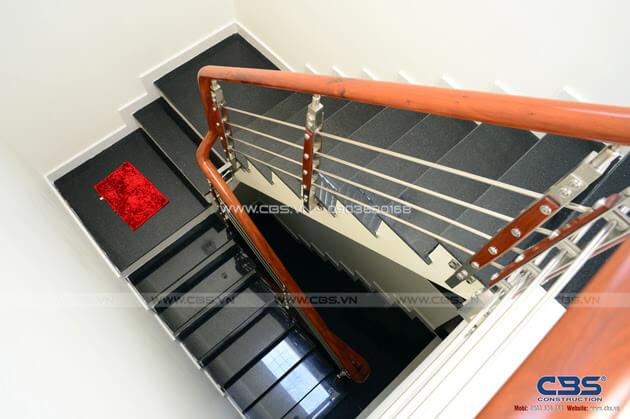 Những mẫu cầu thang đẹp phổ biến cho nhà phố 9