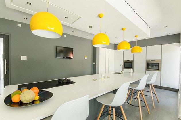 12 ý tưởng trang trí bếp ăn bằng màu vàng chanh đẹp mắt 12