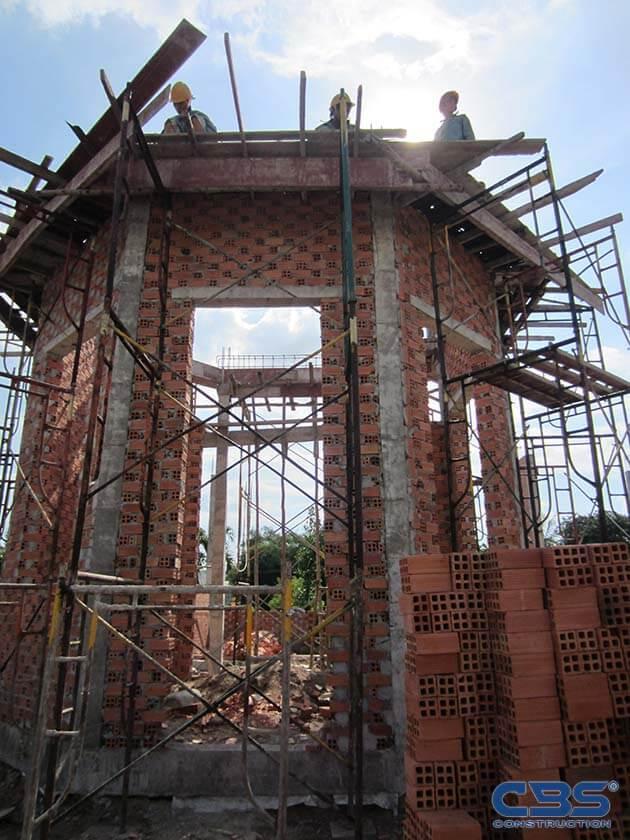 Hình ảnh thi công xây dựng biệt thự gia đình chú Tám Mẫn 3