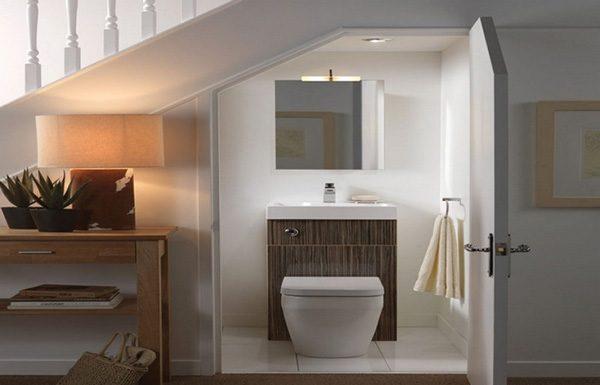 thiết kế wc dưới gầm cầu thang