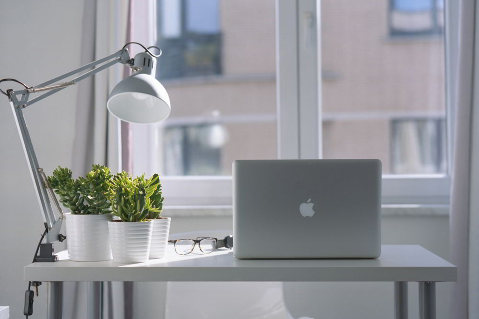 Cách bố trí phòng làm việc tại nhà giúp bạn làm việc hiệu quả 2